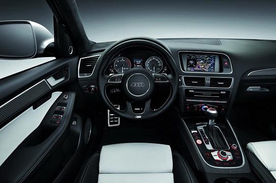 2017-Audi-Q5-interior