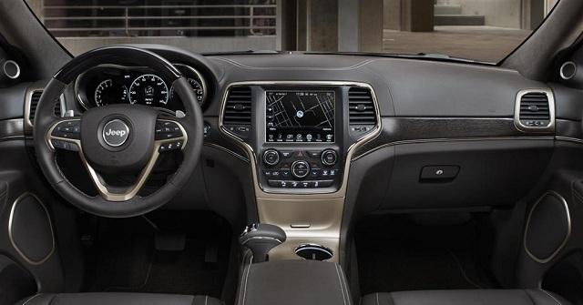 2017-jeep-grand-cherokee-interior