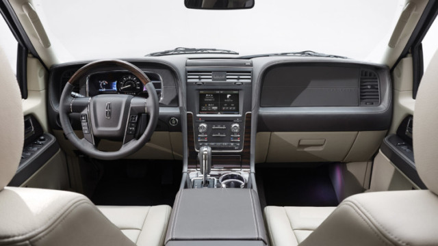 2015-lincoln-navigator-interior