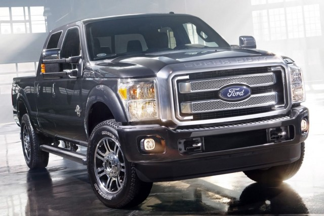 2017 ford f 250 super duty gets lighter body and more power suvs. Black Bedroom Furniture Sets. Home Design Ideas