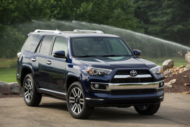 2017 toyota 4runner redesign new engines and new styling suvs trucks. Black Bedroom Furniture Sets. Home Design Ideas