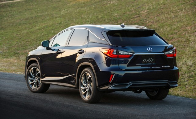 Best 3rd Row Suv 2017 >> 2017 Lexus Rx The Suv Gets Third Row And New Design Suvs Trucks