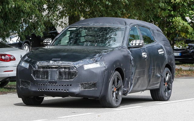 2017-maserati-levante-spy-shots