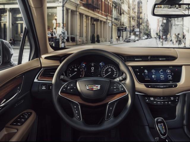 2017 Cadillac XT5 dash