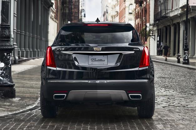 2017-Cadillac-XT5-rear