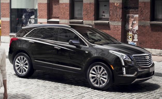 2017-Cadillac-XT5-side