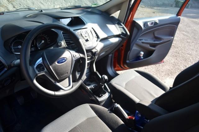 2017 Ford EcoSport cockpit