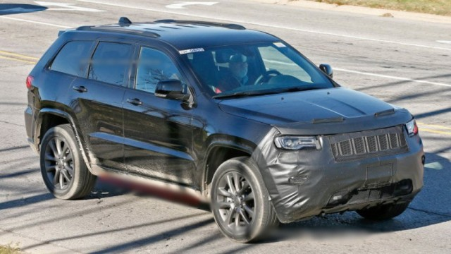 2017-Jeep-Grand-Cherokee-spied