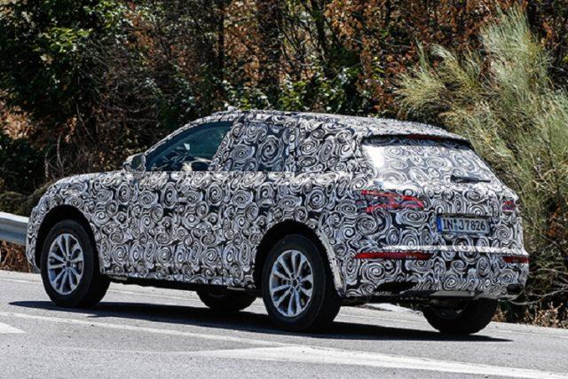 2018 Audi Q5 spy rear