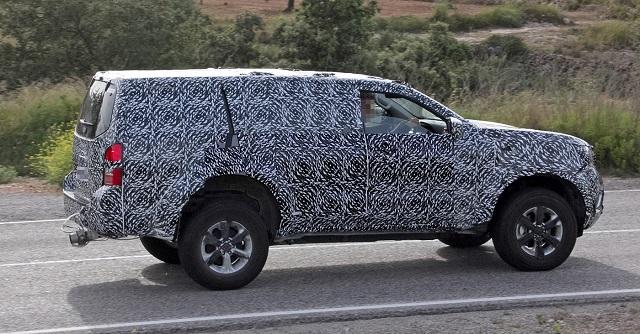 2018 Nissan Navara SUV spy