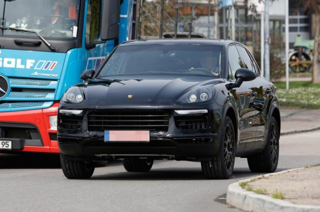 2018  Porsche Cayenne spy