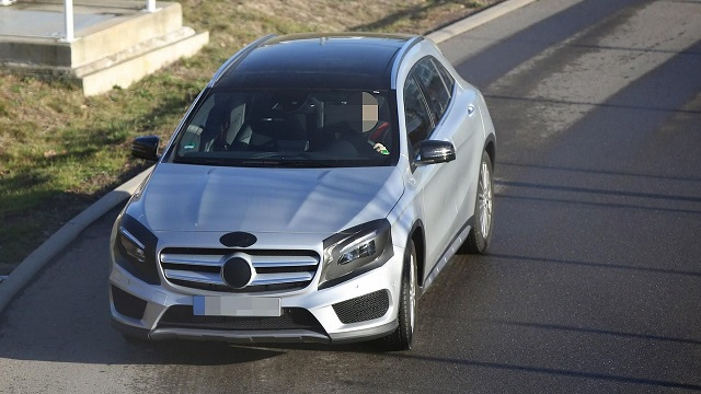 2017 Mercedes-Benz GLA spy