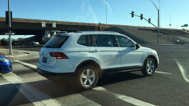 The US 2018 Volkswagen Tiguan LWB Is Spied Without Camouflage | SUVs & Trucks