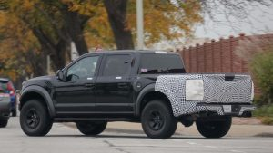 2019-ford-f-150-raptor-spy-shots