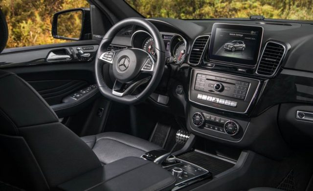 2017-mercedes-amg-gle43-4matic-interior