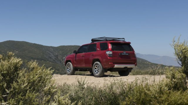 2017-toyota-4runner-trd-off-road-and-trd-off-road-premium