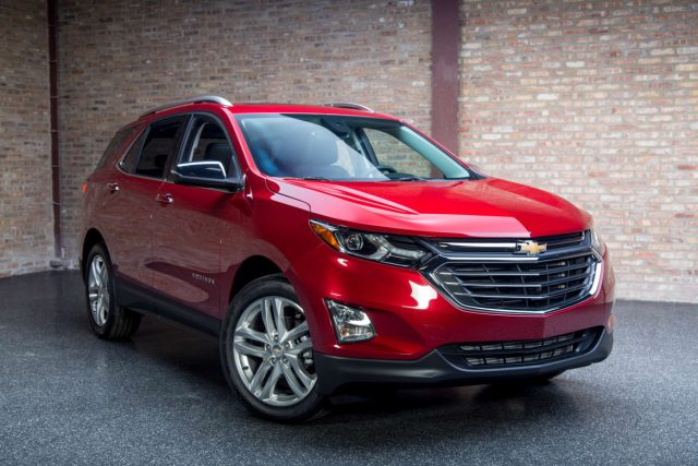 2018 chevrolet equinox rises the base price at 24 475 suvs trucks. Black Bedroom Furniture Sets. Home Design Ideas