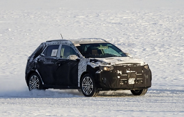 2018 kia borrego. wonderful kia 2018 kia stonic spy shots intended kia borrego