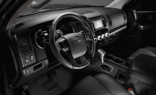 2018-Toyota-Sequoia interior