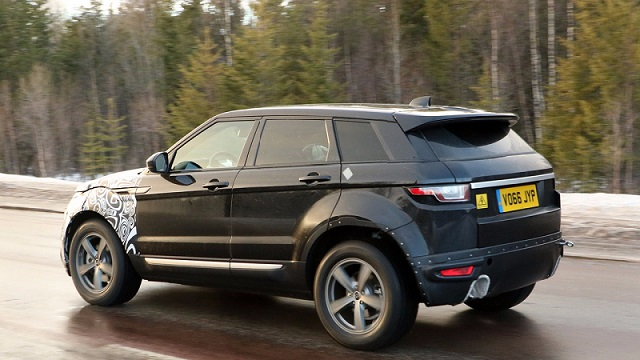 2018-range-rover-evoque-spy-photo