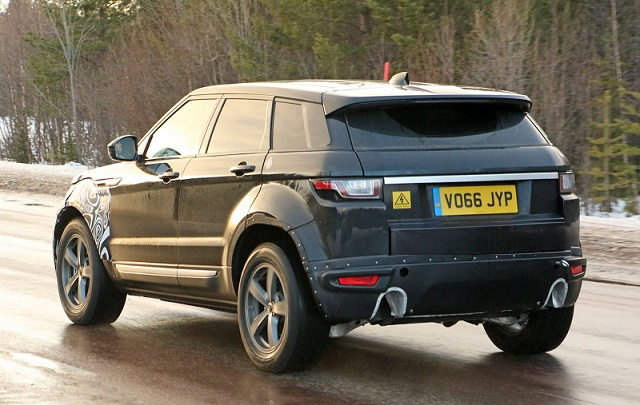 2018-range-rover-evoque-spy-rear