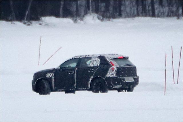 2019 Volvo XC40 spy