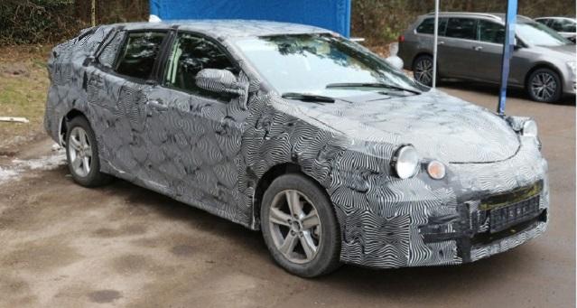 2018 Toyota Avensis Touring spy