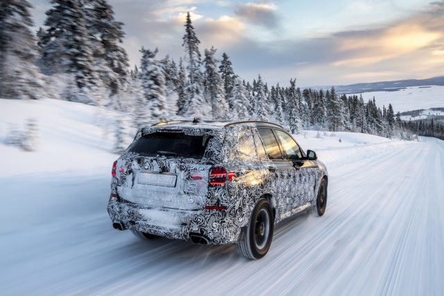 2018 BMW X3 M40i spy rear