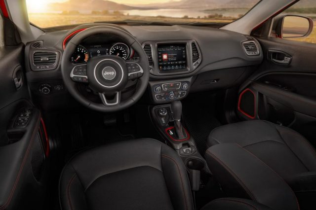 2017 Jeep Compass Trailhawk interior