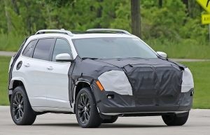 2018-jeep-cherokee-facelift-spy