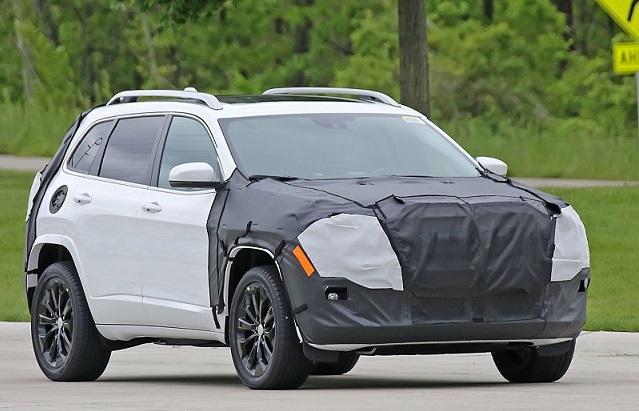 2018-jeep-cherokee-facelift-spy