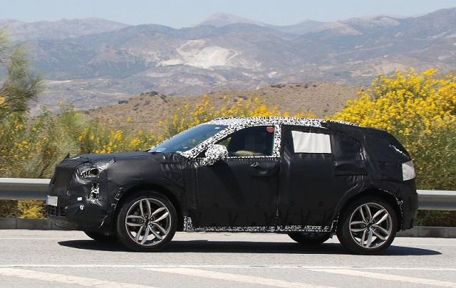 2019 Cadillac XT4 Plug-in Hybrid spy shots