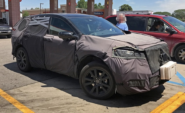 2019 Acura RDX spy-side