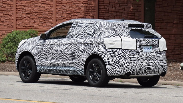2019-ford-edge-spy-rear