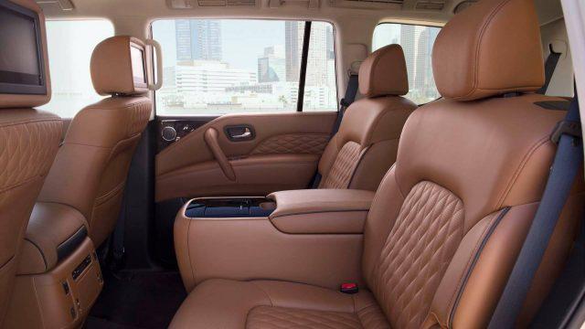 2018 INFINITI QX80 seats