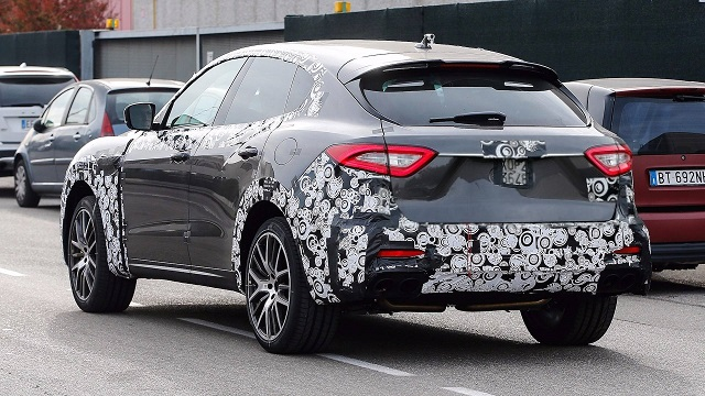 2018 Maserati Levante GTS spy rear