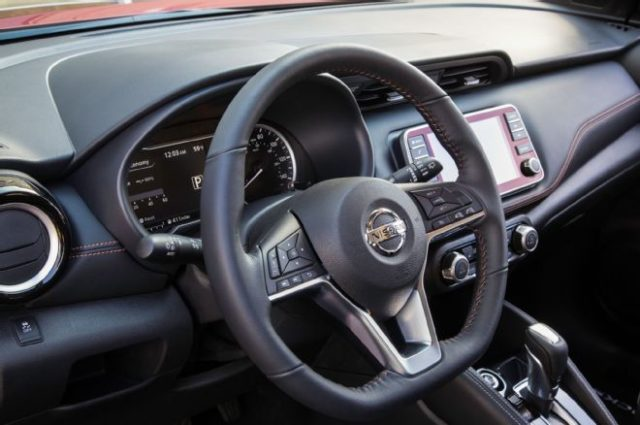 2018 Nissan Kicks SUV dash