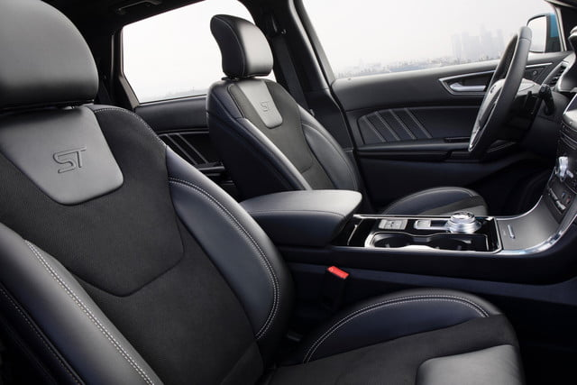 2019 Ford Edge ST seats