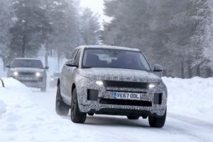 2019 Range Rover Evoque spy on snow