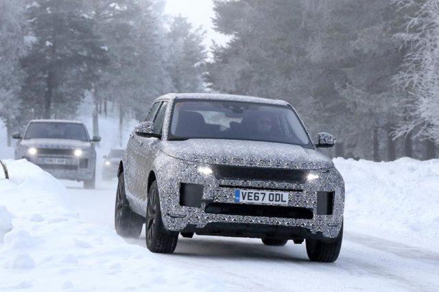 2019 Range Rover Evoque spy on snow