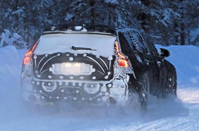 2019 Volvo V60 spy rear