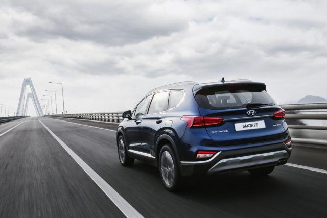 2019 Hyundai Santa Fe Diesel rear