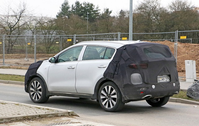 2019 Kia Sportage spy side