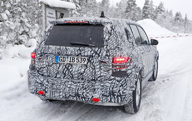 2019 Mercedes-benz GLB spy rear