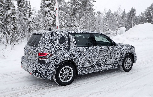 2019 Mercedes-benz GLB spy side