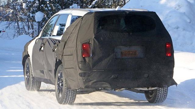 2020 Hyundai Eight-Seat SUV-maxcruz-rear