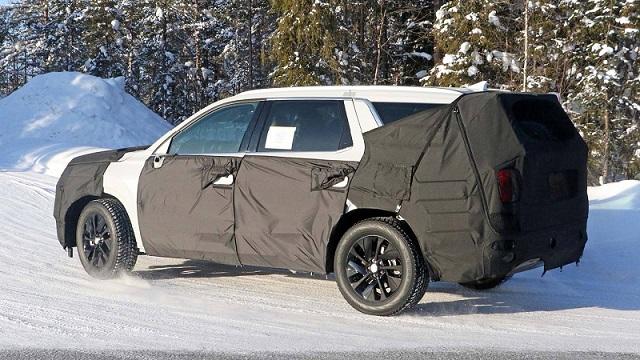 2020 Hyundai Eight-Seat SUV-maxcruz-side