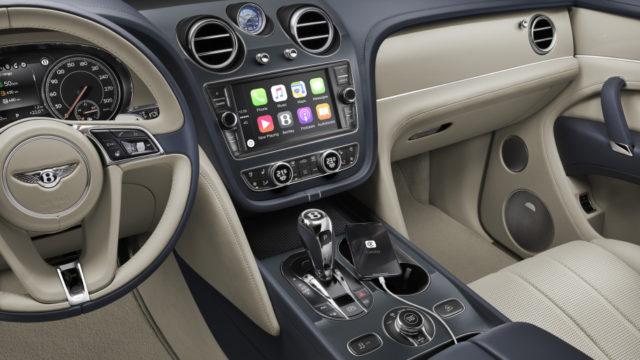 2019 Bentley Bentayga Hybrid dash