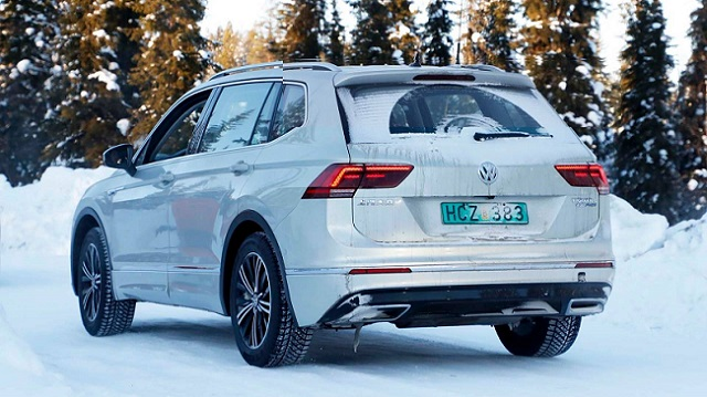 2019 VW Tiguan Plug-In Hybrid rear