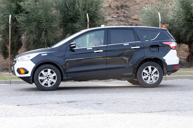 2020 Ford Escape redsign side